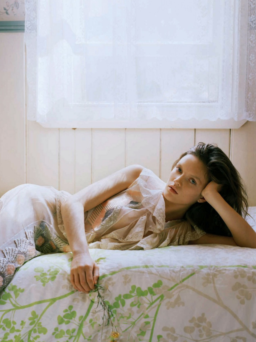 Grace Anderson by Derek Henderson for Elle Australia May 2016
