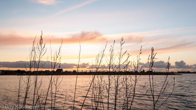 Sunset_at_the_lake