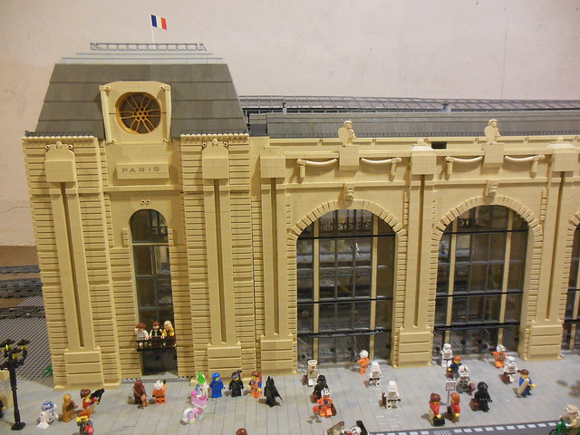 moc train station the musee d 39 orsay in paris lego town eurobricks forums. Black Bedroom Furniture Sets. Home Design Ideas