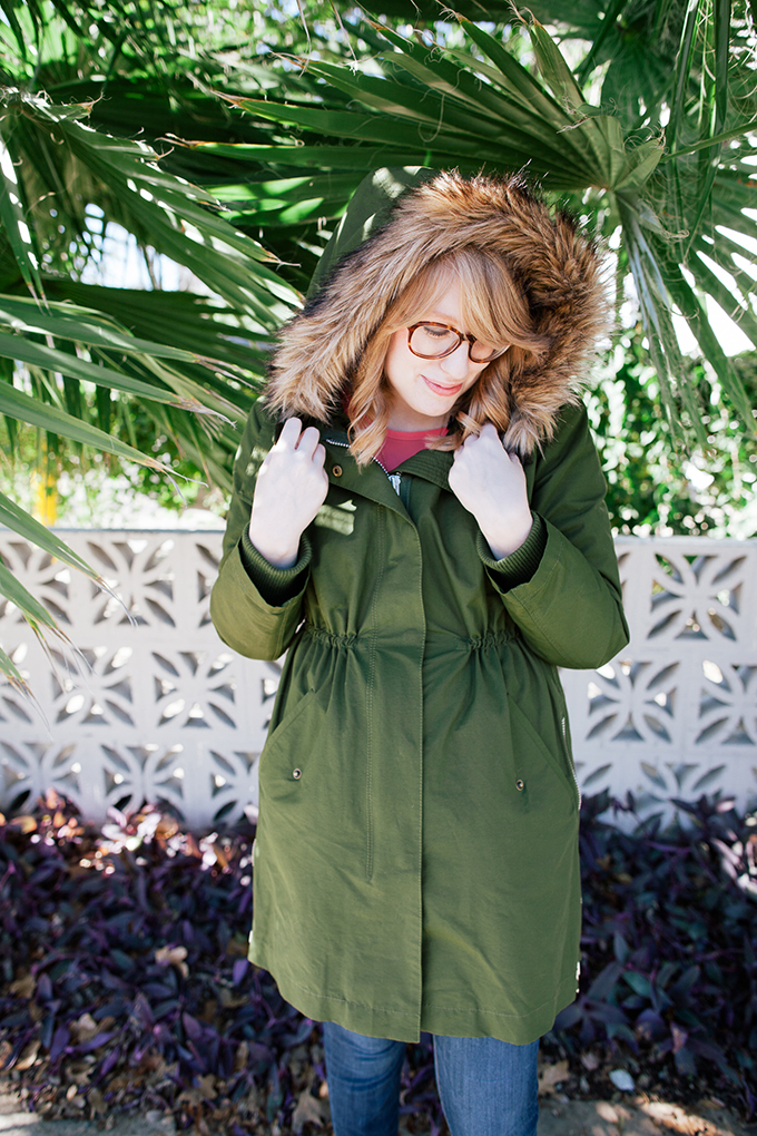 pink blouse green parka6