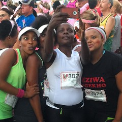 Pre-run ritual, Valentine\'s Day 10km run, Randburg Harriers Club.
