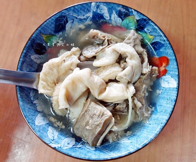 25 嘉義東市場牛雜湯、筒仔米糕、火婆煎粿