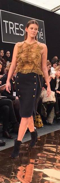 couchel blusa dorada