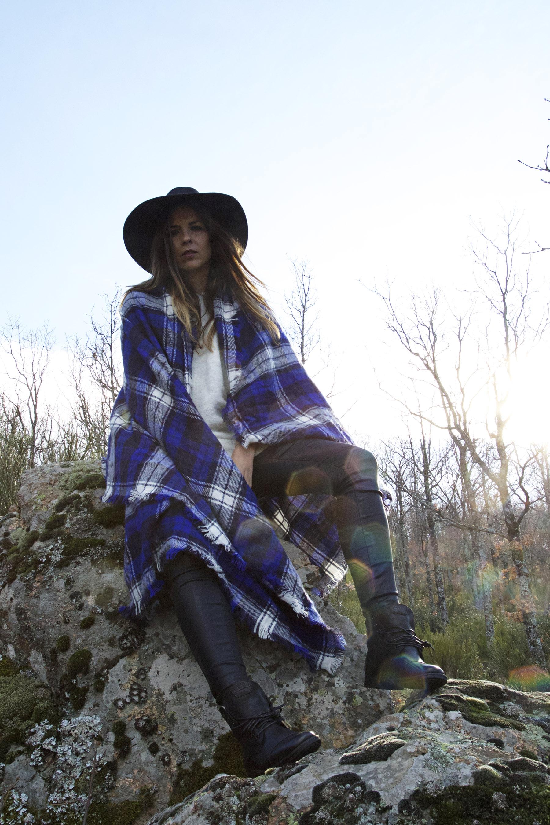 trendy-taste-look-mountain-sierra-maxi-bufanda-scarf-sombrero-botas-moteras-cuadros-3