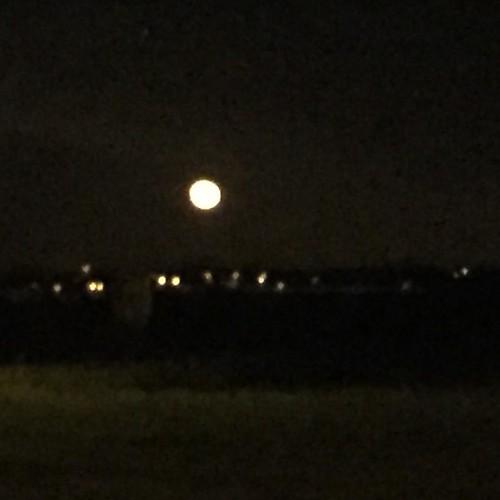 Lune en feu magnifique ..