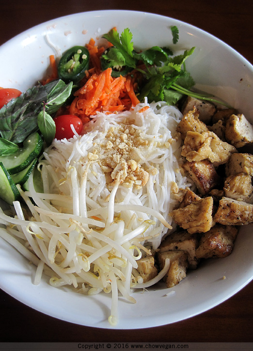 Green Leaf Asian Bistro Noodle Bowl