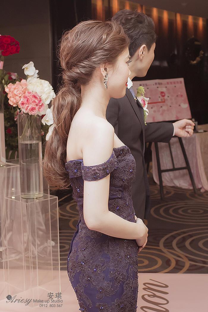 新娘秘書,髮質細軟,澎鬆線條,安琪新秘,新娘造型,台中金典飯店,線條丸子頭,皇冠造型,低馬尾