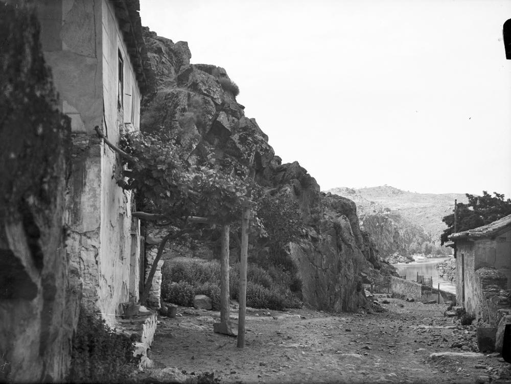 Parador del Macho en los años 20. Fotografía de Otto Wunderlich. Fototeca del Patrimonio Cultural de España, signatura WUN-02158_P