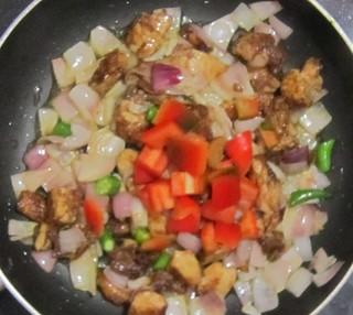 Chicken capsicum - Add capsicm and green chilli