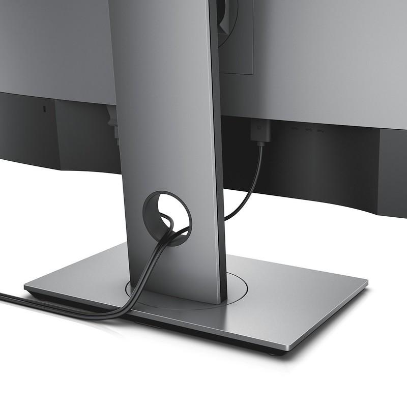 Dell UltraSharp 27 InfinityEdge Monitor (U2717D) - Cable Organisation