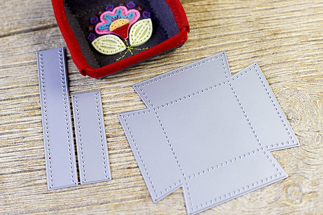 Stitched Square Tray with Stitched Square Trim Die