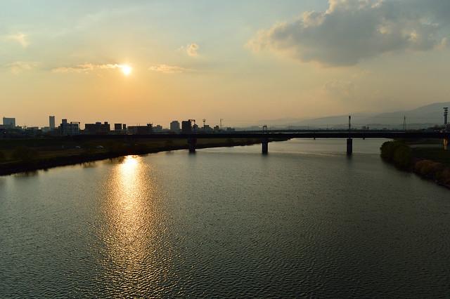 夕陽を浴びる筑後川
