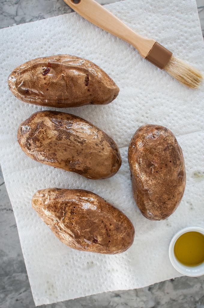Oiling potatoes for crispy potato skins