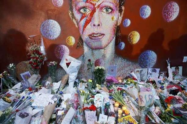 Despiden a Bowie en su natal Londres y en su casa de NY