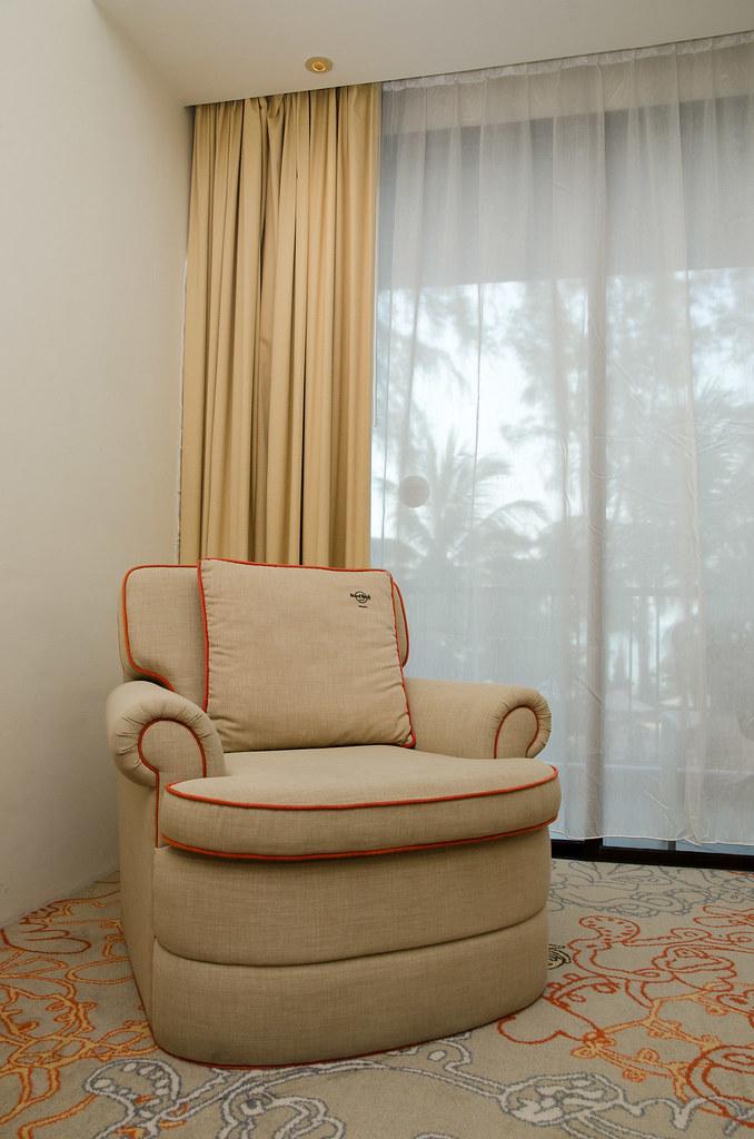 The big sofa in Hard Rock Hotel room