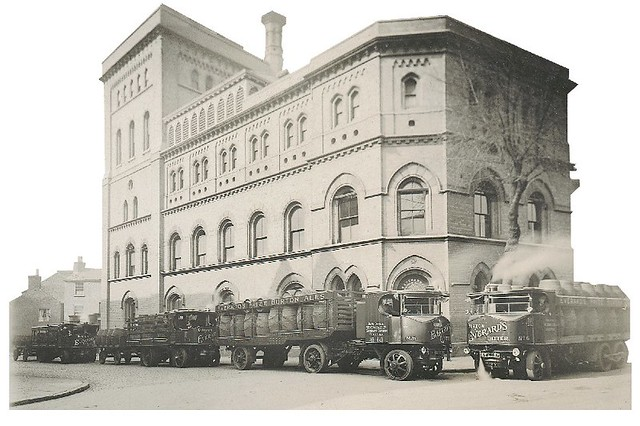 New_Everards_brewery_Southgate_St_Leicester_showing_steam_traction_engines_1875