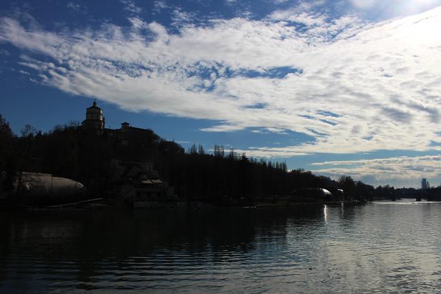 rivière -  nuages