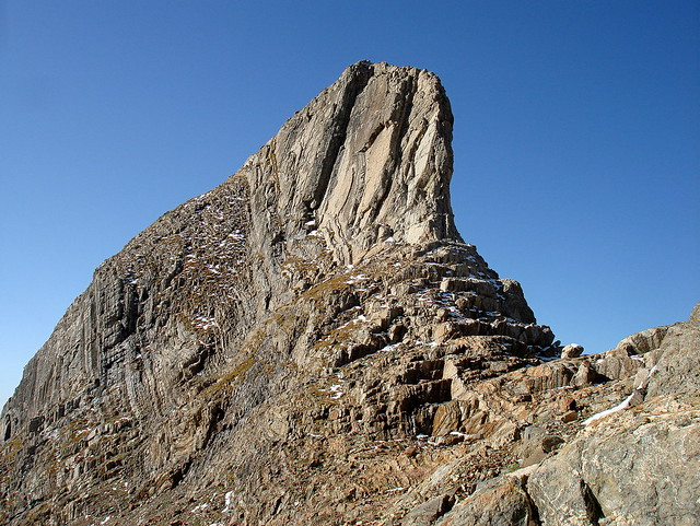 El singular 'Diente de Llardana' (3.075 m.)