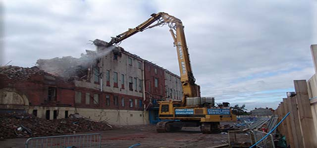picture of demolition of Maine Rd c.2004