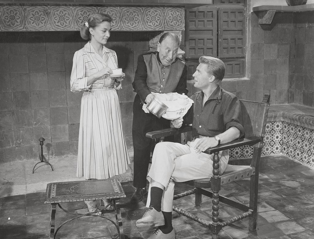 Pepe Isbert y Silvia Morgan en Toledo durante el rodaje de Un americano en Toledo en 1957