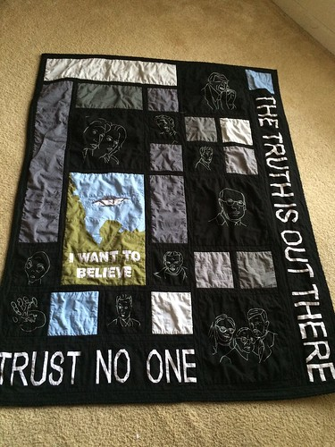 My finished X Files quilt!