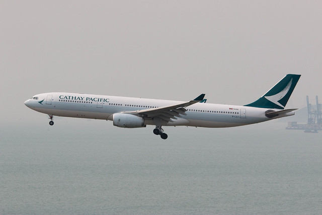 New Cathay Pacific livery on B-LAJ
