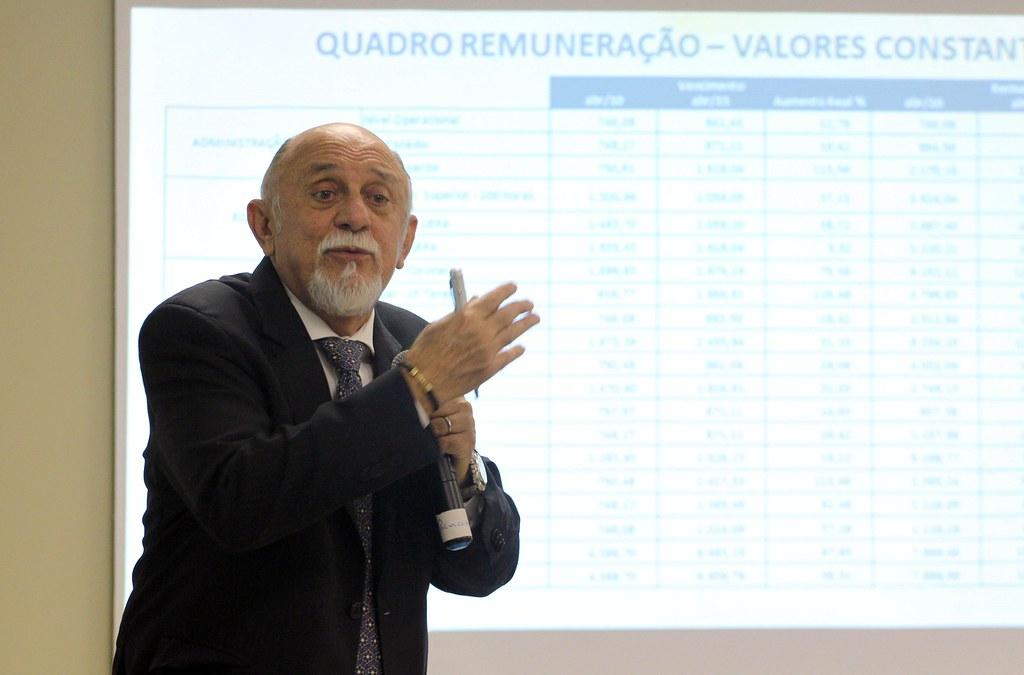 Globo revela que só o Pará, Paraná e RS pagam pensão vitalícia a ex-governadores