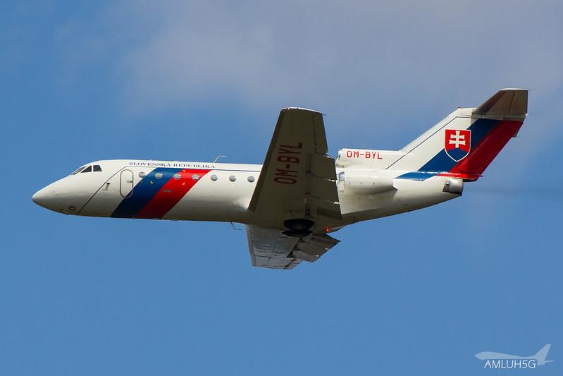 Slovenska Republika - YK40 - OM-BYL (1)