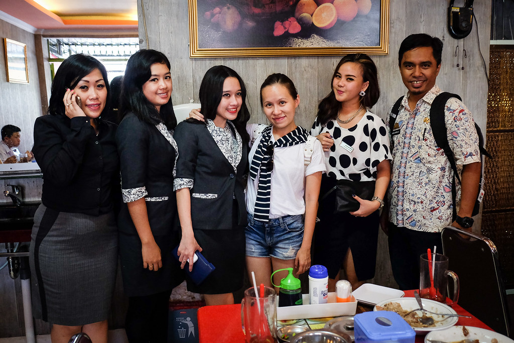 Makassar Food:  Grouo Photo