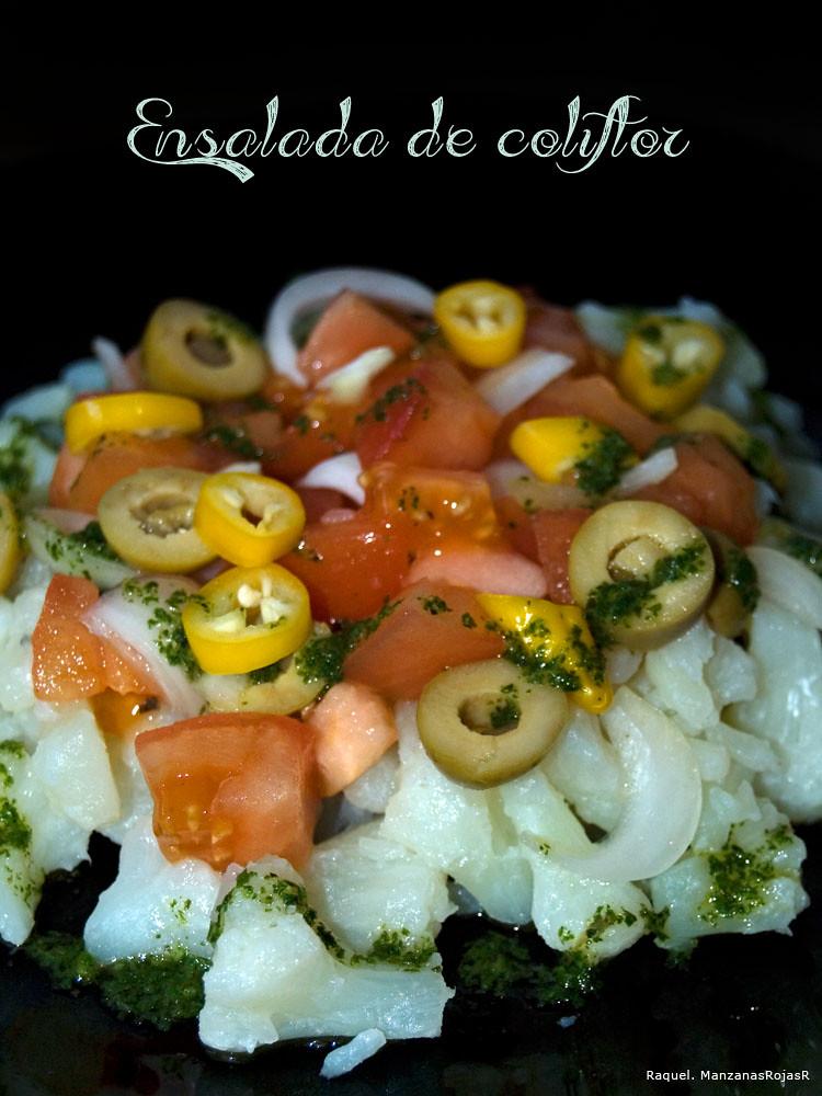 Ensalada de coliflor y tomate