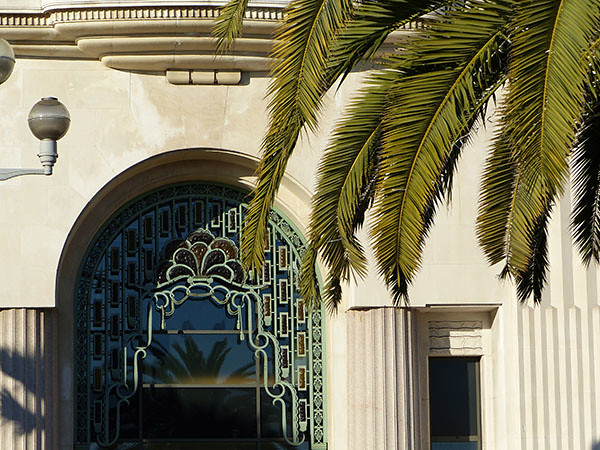 fenêtre palais de la méditerranée