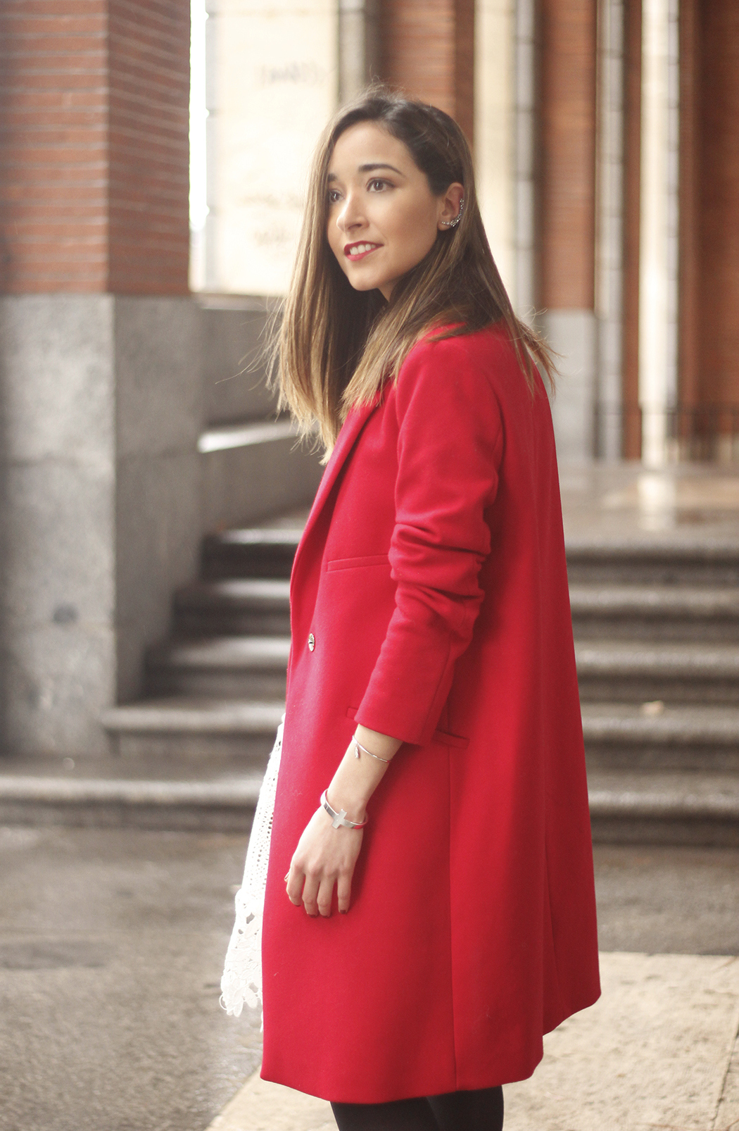 white lace dress with red coat uterqüe bag outfit style14