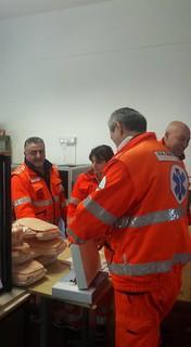 a.s. 2015 2016 Plesso Pascoli Intervento volontari Croce Blu