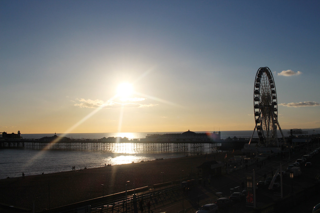 Weekend-City-Guide-Brighton-seafront-seaside-sunset