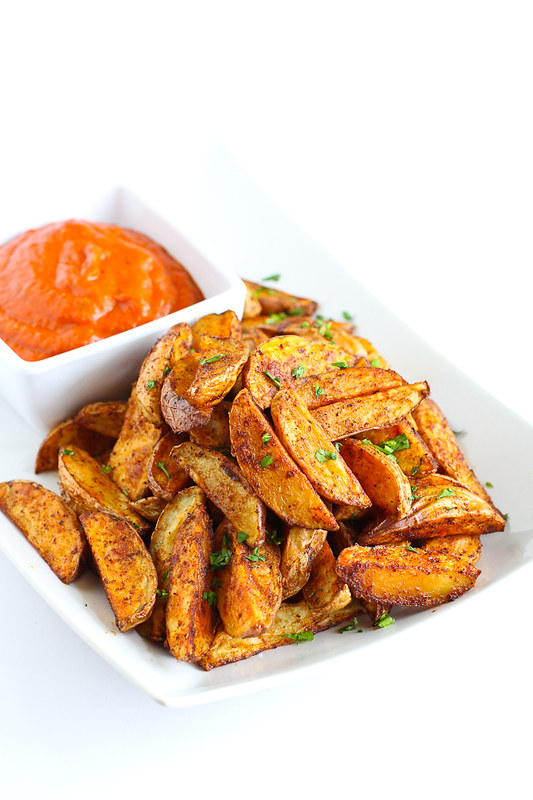 Southwestern Potato Wedges with Red Pepper Jalapeno Dip…An easy, healthy appetizer that will disappear in minutes! 102 calories and 3 Weight Watcher Freestyle SP