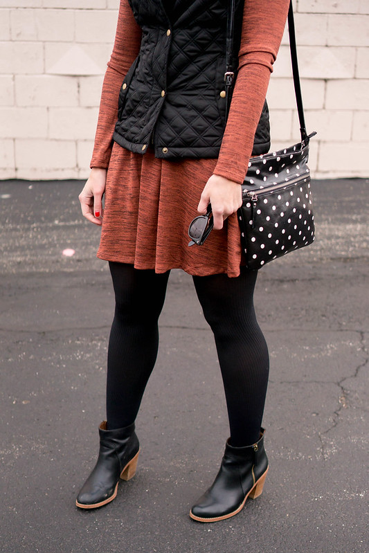 old navy swing dress + black quilted vest + casual fall style | Style On Target