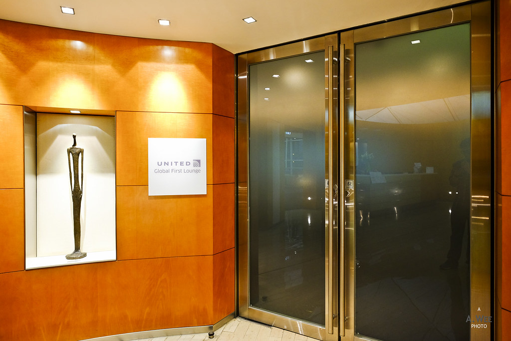 Global First Lounge entrance