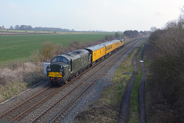 3Q01 derby rtc to skegness and back to derby seen at saxondale near bingham traction 37057 tnt 37175 operated by colas rail