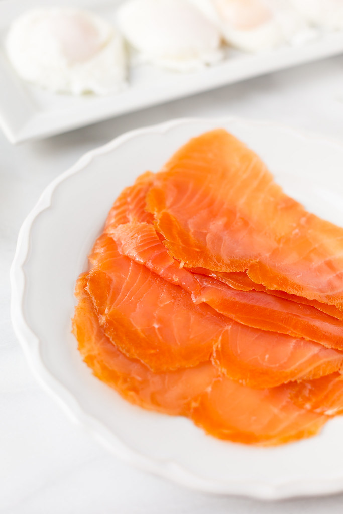 sliced smoked salmon on plate
