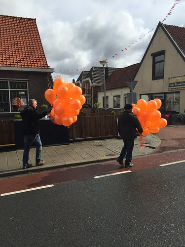 Heliumballonnen Koningsdag Simonshaven