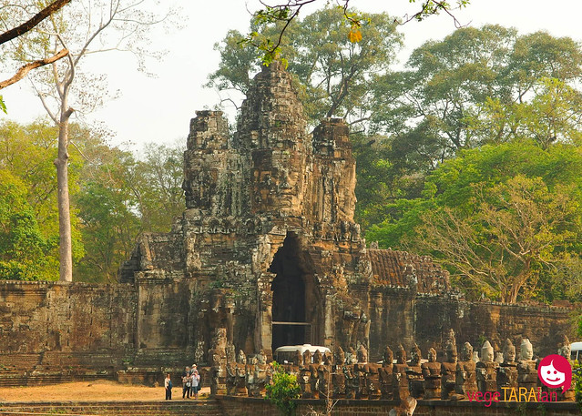 Visiting the ancient temples of Angkor Wat