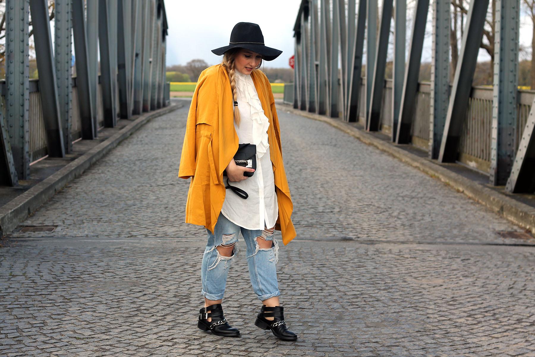 outfit-modeblog-fashionblog-jeans-topshop-boyfriend-gelber-mantel-frühling