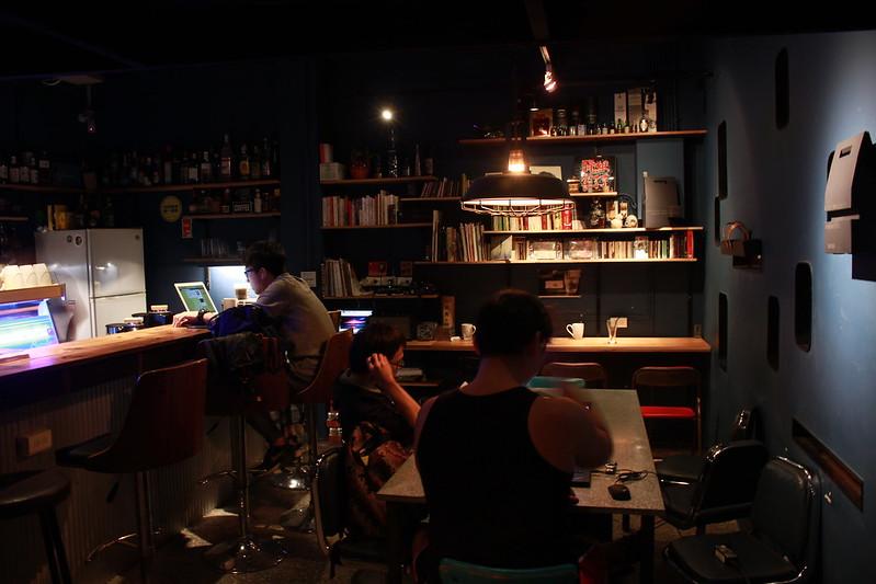 台北。深夜主題。暗角咖啡。17度C台北隨拍 (34)