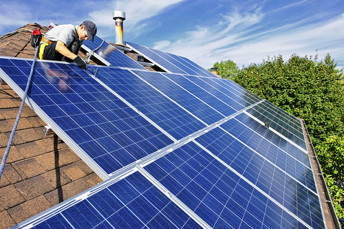 Three Factors to Consider When Selecting a Solar Panel System Installer