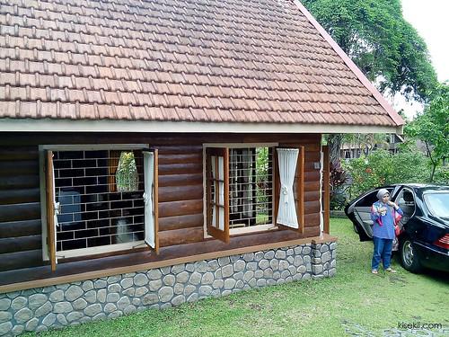 villa-radjawali-facade