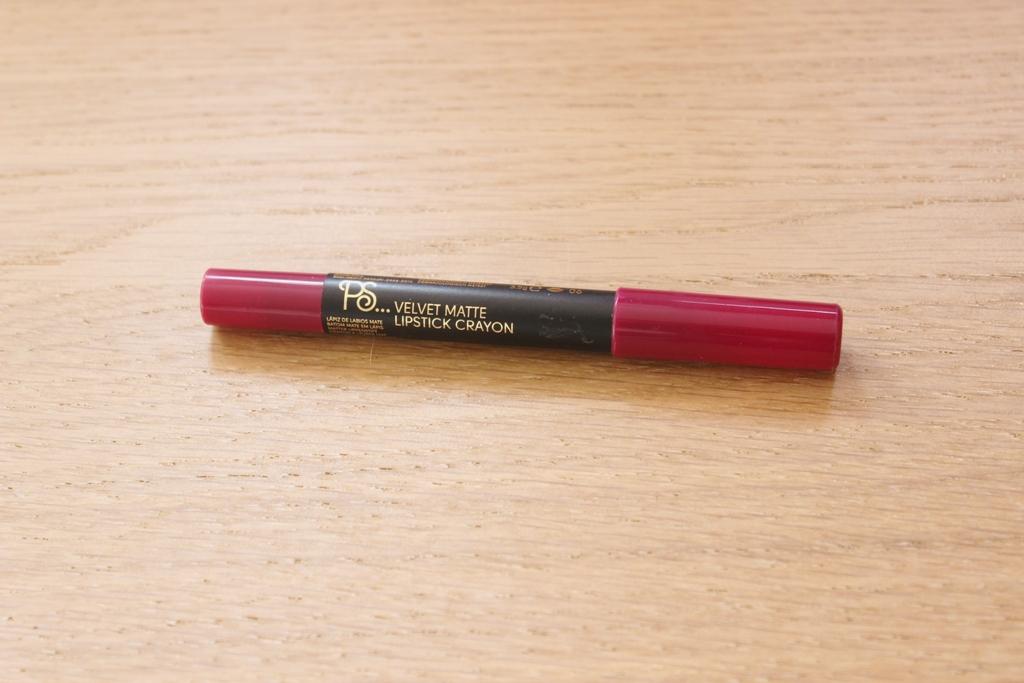 Primark Velvet Matte Lipstick Crayon (1)