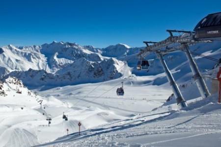Lyžování na tyrolských ledovcích