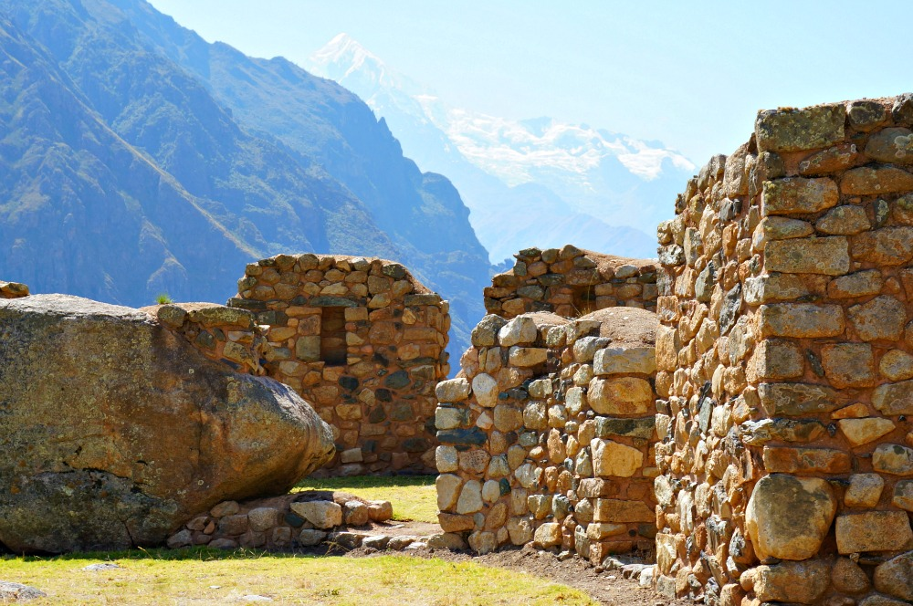Large archaeological site on the way to Machu Picchu