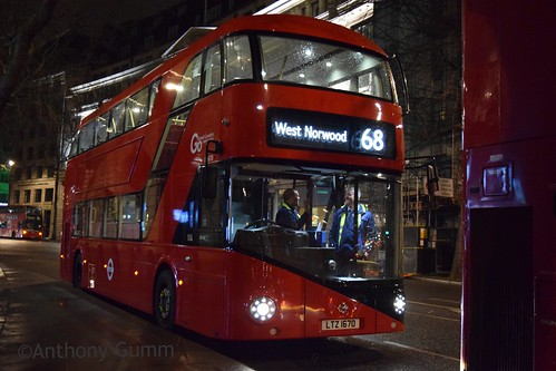 Go-Ahead London Central LT670 on Route 68, Aldwych
