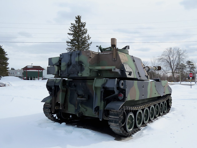 An M109A4+ Self-Propelled Howitzer in Kemptville, Ontario